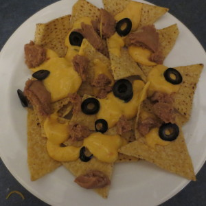 nachos with cheese & beans