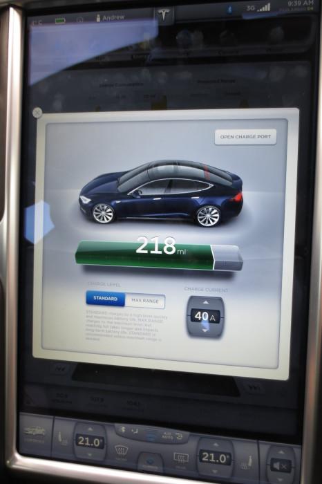 Tesla Model S Charge Level